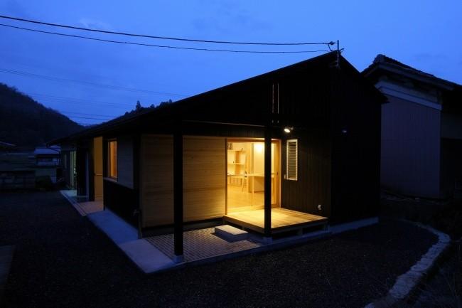 平屋の家 夜景